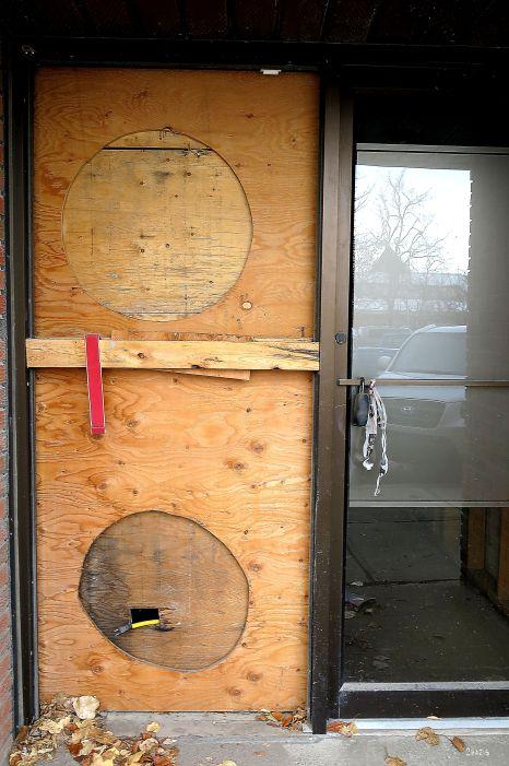plywood door  highriver IMG_8652