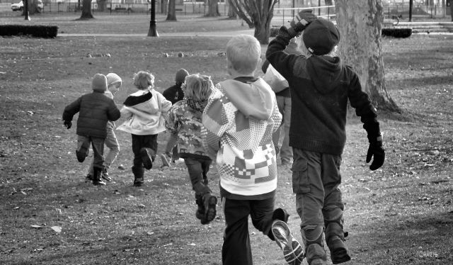 children running 2 bw ch IMG_0495