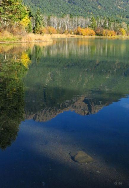 Norbury lake rock water autumn IMG_7461