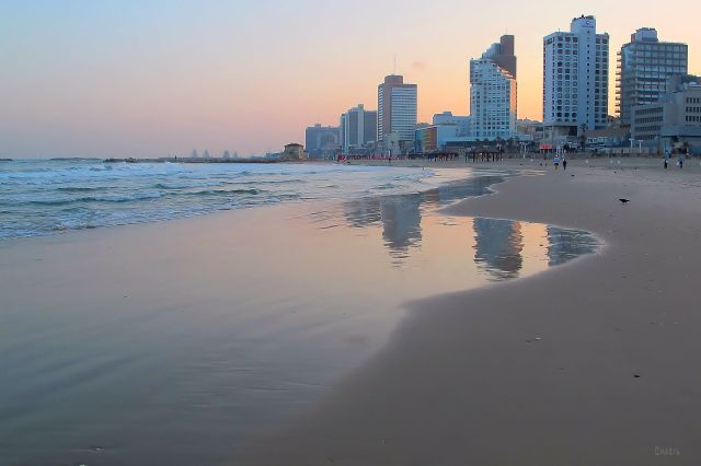 IMG_7307 morning on beach Tel Aviv