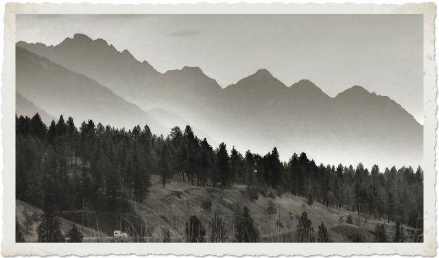 trailer mountains bw IMG_6439