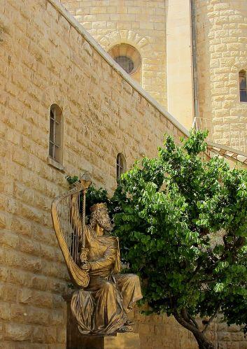 David harp statue IMG_9841