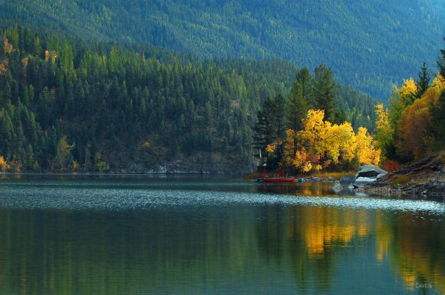 lazy-lake-yellow-autumn-reflection-ch-rs60-dsc_0177