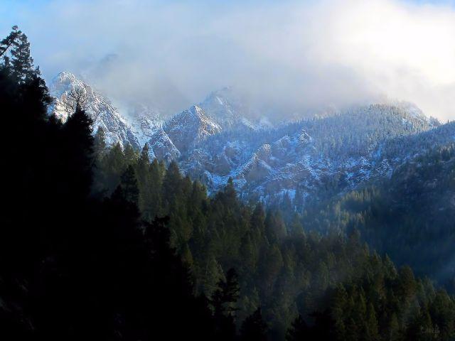 radium-hill-fog-contrast-mountain-ch-crop-mg_4538