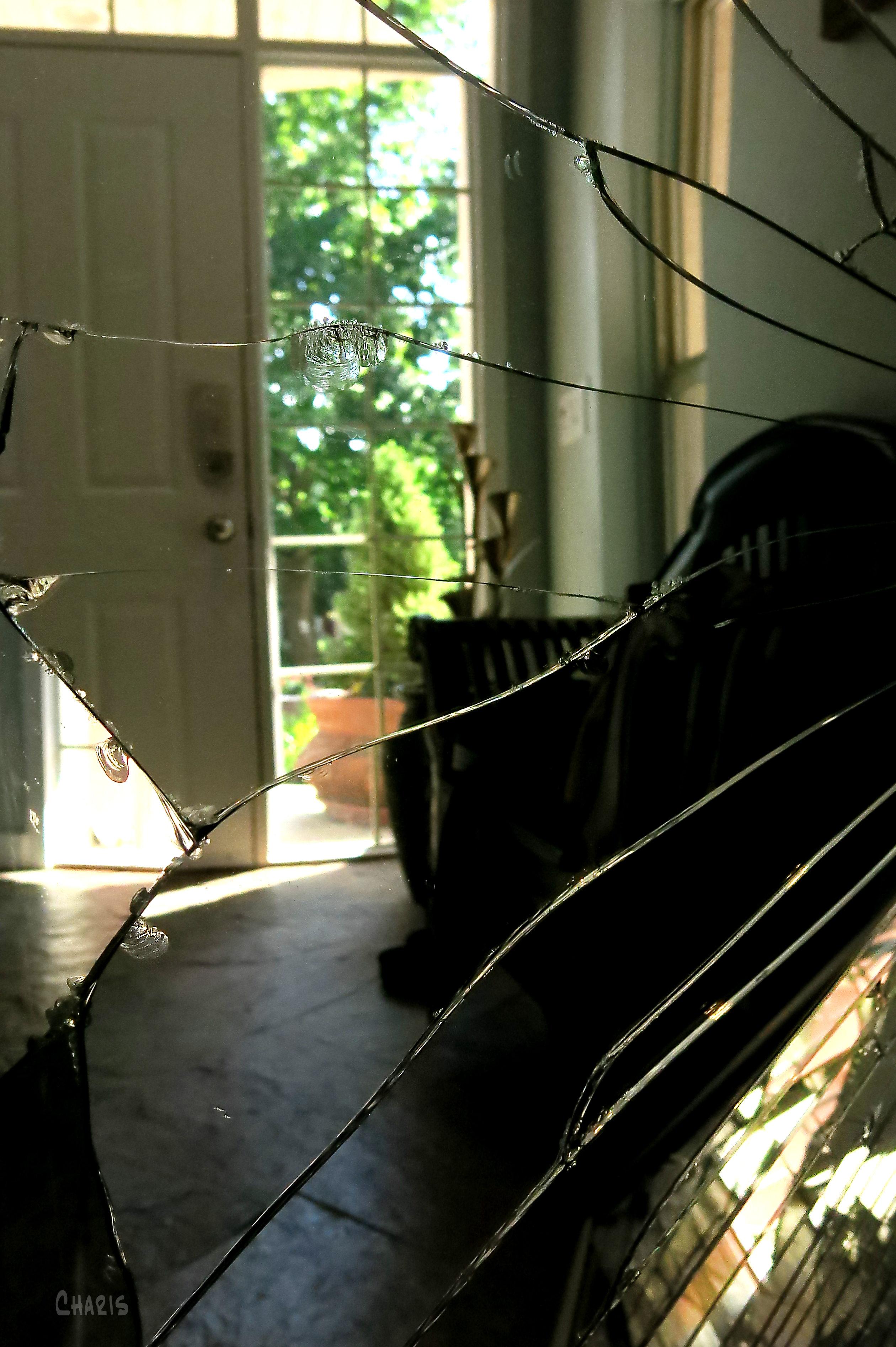 broken mirror door ch IMG_3802