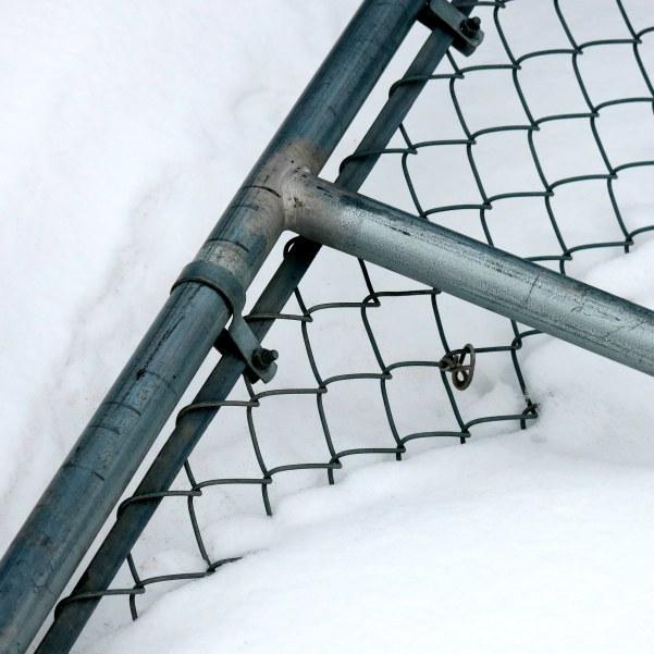 broken fence IMG_3150